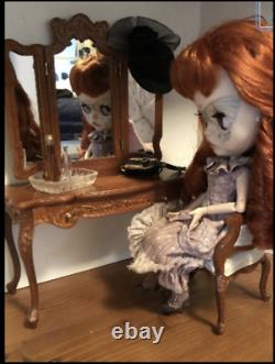 1/6th scale Playscale dressing table for Blythe Barbie Fashion Royalty Icy BJD