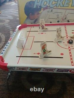 1972 Game Snoopy And His Pals The Peanuts Gang, Ice Hockey Game Complete