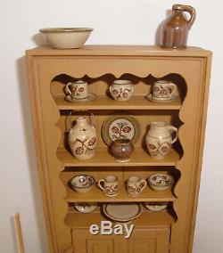1997 Jim Ison Dollhouse Mini Cupboard #2-10 +23 Jane Graber Pottery 22 Pine Cone