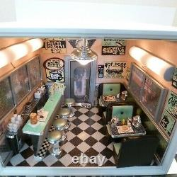 AMERICAN GIRL AG Minis Illuma Room Lils Diner WithTRANSFORMER