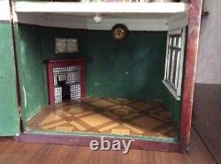 ANTIQUE 1930s-1940s DOLLS HOUSE (ROSIE DENE OVER DOOR)