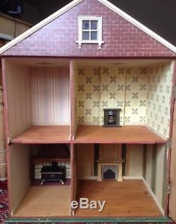 Antique Victorian/Edwardian Dolls House