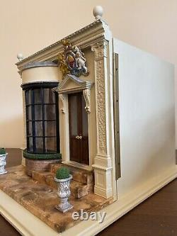 Artisan 112 Scale Dolls House Roombox Shop