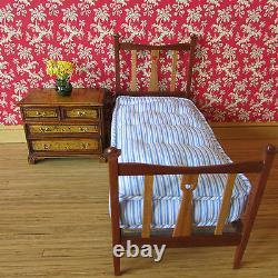 Artisan mahogany/cherry wood single bed & mattress doll house miniature 112