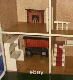 BEAUTIFUL ANTIQUE LINES BROS DH1 DOLLSHOUSE which became TRIANG courier del £20