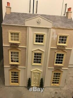 Beautiful Georgian Dolls house