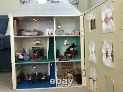 Childrens Georgian Style Large Wooden Dolls House With Furniture