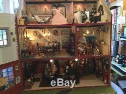 Collectors dolls house/pub