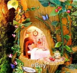 DIY Handcraft Miniature Little Squirrels Country Lodge Free Standing Frame