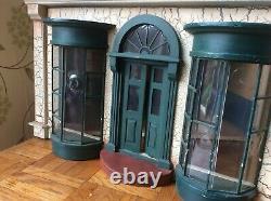 Dolls House Antique Shop-dolls