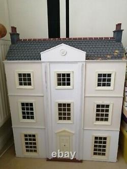 Dolls House (vintage)