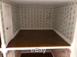 Dolls house beautiful, victorian dolls house, excellent condition