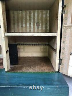 Early Vintage Triang Dolls House In Original Condition