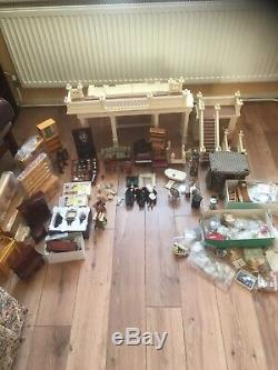Georgian dolls house With Accessories