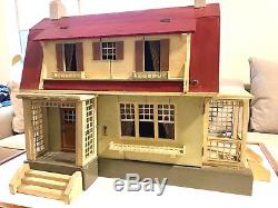 Gothshalk Vintage Doll House, 1926 with original furniture, excellent condition