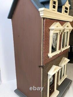 Gottschalk Antique Dolls House