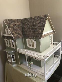 Handmade miniature dollhouse With Lights And Furniture