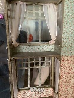 Hobbies Vintage Dolls House