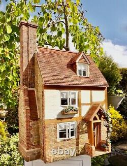 Includes contents Vintage Tudor dolls house cottage by Homes for Gnomes 1983