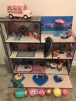 LOL House With Figures And Furniture
