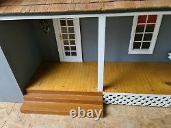 Large American style house with 7 good size rooms/ porch/side entrance 1.12th