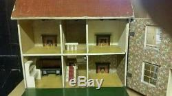 Lines Bros Triang Wooden Dhi Dolls House 1920s