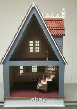 Little Annabelle Victorian Cottage 112 scale