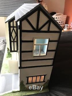 Lovely 1930's / 1940's Hand Made Antique Tudor Style Dolls House