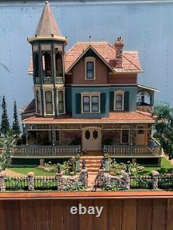 Massive 8 food Victorian dollhouse