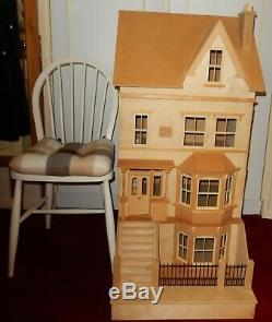 ONE OFF 12th SCALE EXTRA LARGE WOODEN GEORGIAN DOLLS HOUSE
