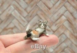 OOAK realistic dollhouse miniature hand-sculpted tabby cat
