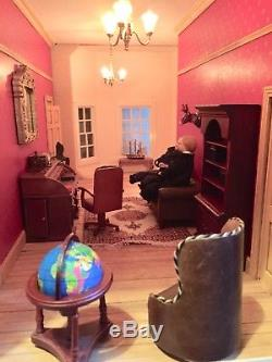 QUALITY DOLLS HOUSE GEORGIAN FULLY DECORATED AND LIT 20 Rooms Plus Stairs