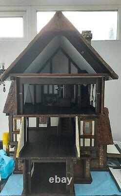 Robert Stubbs Dolls House Tudor