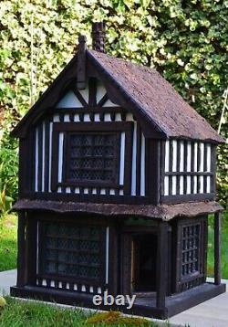 Robert Stubbs Tudor Dolls House, 112 Scale Shop on two floors Brand New