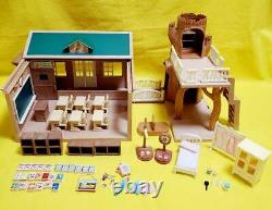 Sylvanian Families Calico Critters Forest School Green Roof Vintage Very Rare 2