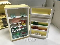 VTG Ideal Petite Princess Fantasy Dollhouse Furniture Set Kitchen Accessories