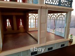 Very beautiful Victorian Mansion Doll's House