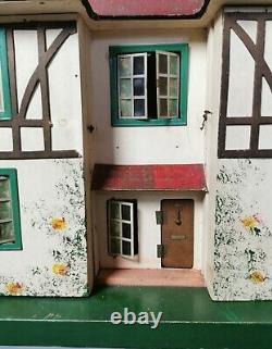 Vintage 1930's Triang Mock Tudor dolls house, large size dollhouse