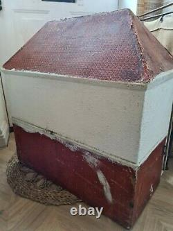 Vintage Antique Lines Brothers triang DH8 Dolls House for restoration