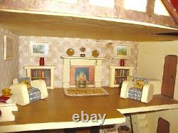 Vintage Triang Dollhouse built in England in 1950. Collectable