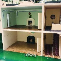 Vintage Ultra Modern 1930s Tri-ang Dolls House