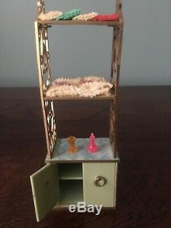 Vtg Dollhouse Furniture Ideal Petite Princess Patti Bathroom Towel Rack & Hamper